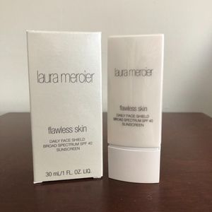 LAURA MERCIER Flawless Skin Daily Face Shield